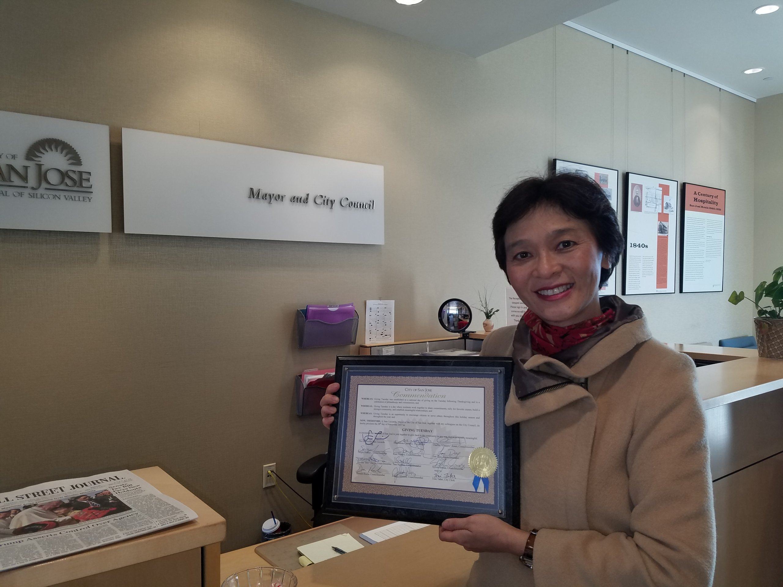 20171128_Lisa with Giving Tuesday Proclamation